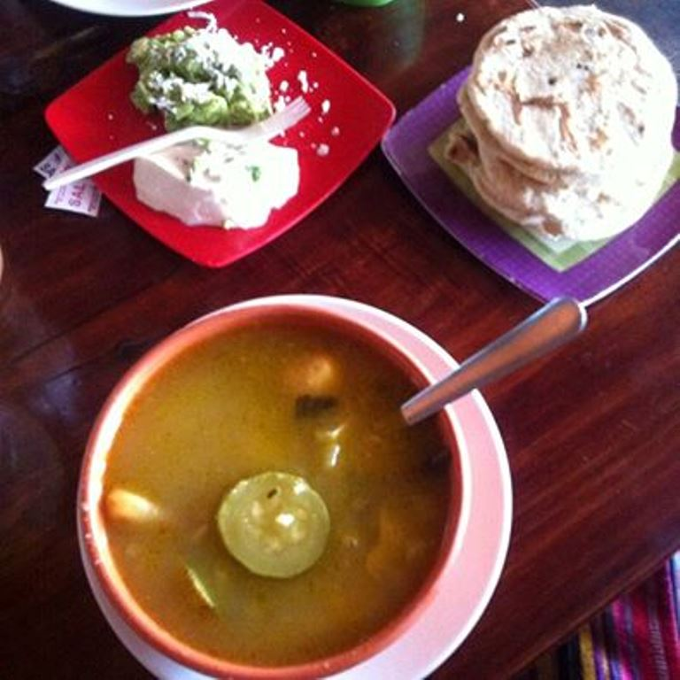 sopa de gallina india, dixie meléndez